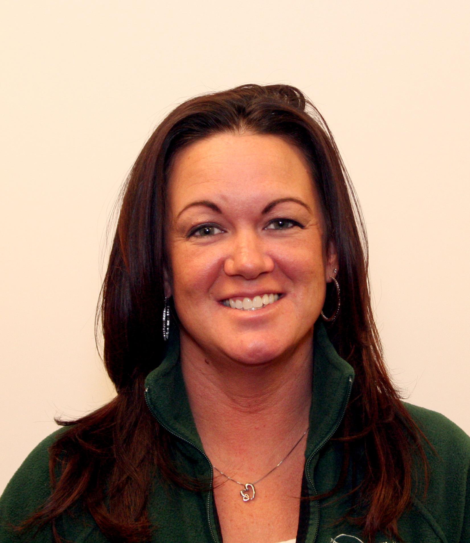 Shanna Batchelor : Office Manager